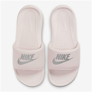 Nike WOMENS VICTORI ONE SLIDE SHOE, BARROSE/ METSILV